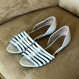 🔥 FINAL PRICE DROP! White Huarache Open Toe Flats